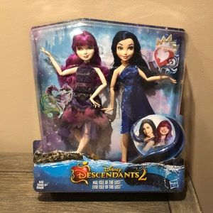 Disney Descendants 2 Mal & Evie Isle of the Lost